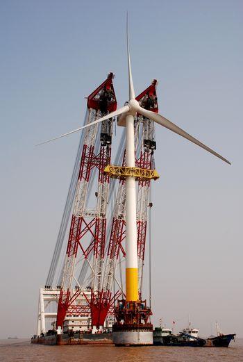 东海大桥海上风电项目安装圆满成功